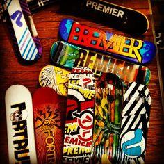 Gros choix de snowskates au shop !! Pour s'éclater entre potes dans la station ou en ville :) #snowskate #snowdeck #snowboard #snowboarding #skateboard #skateboarding #snow #winter #paris #paname #fun #friends