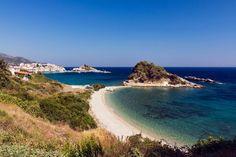 Το άγνωστο ελληνικό χωριό που πήρε την τρίτη θέση στα «διαμάντια» της Ευρώπης… Just Like Heaven, Beautiful Places In The World, Greek Islands, Summer Time, Italy, Beach, Water, Outdoor, Samos Greece