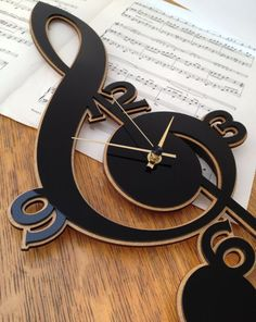 Clef Music Clock made with cnc technology. Made from plywood Handmade Wall Clocks, Unique Clocks, Cool Clocks, Music Clock, Music Wall, Wall Watch, Laser Cut Patterns, Diy Clock, Clock Wall