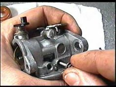 HOW TO CLEAN The Carburetor on BRIGGS & Stratton Quantum Lawnmower Engines - YouTube