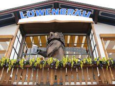 ... als Sternzeichen Löwe/Löwin muß ich dieses historische Prachtexemplar auf dem Balkon fotografieren ...