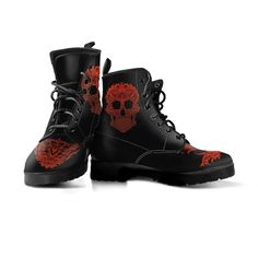 Badass high-quality bloody skull boots for bikers. Made of leather with a double-sided cool skull design print. Womens Biker Boots, Leather Motorcycle Boots, American Legend, Womens Size Chart, Skull Print, Vegan Friendly, Combat Boots, High Heels, Lace Up