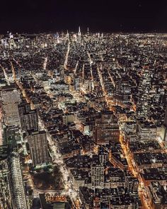 Nighttime views of New York World Trade Center Observatory, New York From Above, Places To Travel, Places To Visit, Home Nyc, New York Pictures, One World Trade Center, New York Life, Chicago City