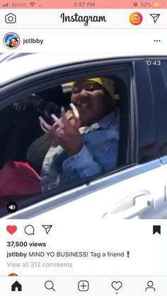 I'm trying to listen to what she's sayin no but it's so hard cause ain't can't take my eyes off those mf nails. Girlllll I wear hella long nails but damnnn! Not dat long😂😬 Talking Quotes, Real Talk Quotes, Fact Quotes, Mood Quotes, Funny Black Memes, Funny Relatable Quotes, Stupid Funny, Funny Jokes, Current Mood Meme