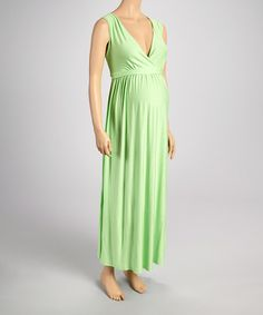 This fitted and stretchy dress skims gracefully over that budding belly, while a v-neck is complemented by gathering below the waist. Maternity Fashion, Maternity Maxi, Plus Size Maternity Dresses, Plus Size Pregnancy, Bump Style, Tie Backs, That Look, Summer Dresses, Kiwi