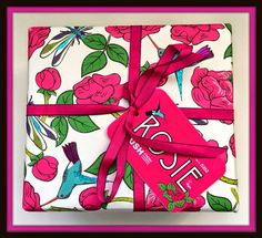 Suze likes, loves, finds and dreams: Giveaway: Lush Rosie Beauty Gift Box
