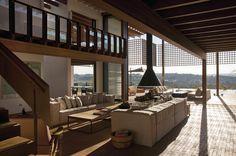 Casa en Quinta da Baroneza / Candida Tabet Arquitetura