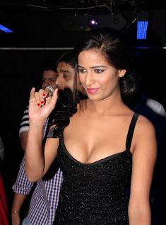 Poonam Pandey Goes Wild For Latest Bold Photo Shoot Latest Images, Latest Pics, Actor Picture, Actress Photos, Beautiful Actresses, Indian Beauty, Bollywood Actress, My Girl, Photoshoot
