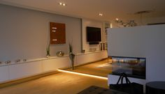Das längste Sideboard mit Elektronischem Wandpaneel