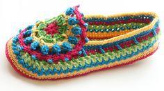Ristiin rastiin: Värikkäät virkatut tossut - a great tutorial for colourful, cross stitched slippers, also in English (behind a link).