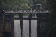 殿山ダム クレスト放流