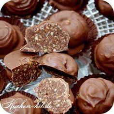 Unusual praline recipes If you want to make your own pralines, . - Unusual praline recipes If you want to make your own pralines, you have a recipe for Nutella pralin - Nutella Recipes, Sweets Recipes, Candy Recipes, Praline Chocolate, Chocolate Desserts, Praline Recipe, Make Your Own Chocolate, Ferrero Rocher, German Recipes