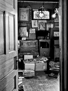 02-Henry-Darger-Room.jpg
