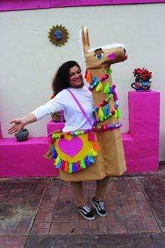 DIY Halloween Llama Costume Tutorial - The Crafty Chica Boxing Halloween Costume, Creative Halloween Costumes, Diy Costumes, Halloween Crafts, Halloween Party, Dress Up Costumes, Diy Crafts For Adults, Diy For Kids, Halloween Season