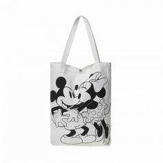 Minnie küsst Micky! Die geräumige Tasche funktioniert prima als sympathischer Eyecatcher für einen trendstarken City-Look in Black