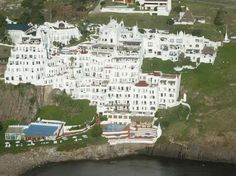 Casapueblo, casarão do artista Carlos Páez Vilaró, é uma das principais atrações turísticas em Punta Del Este, no Uruguai,