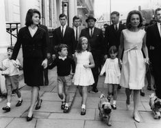 Princess Lee Radziwill And Jacqueline Kennedy Jacqueline Kennedy Onassis, Jackie Kennedy Sister, Jaqueline Kennedy, Ethel Kennedy, Kennedy Jr, Lee Radziwill, Le Divorce, American First Ladies, Sister Pictures