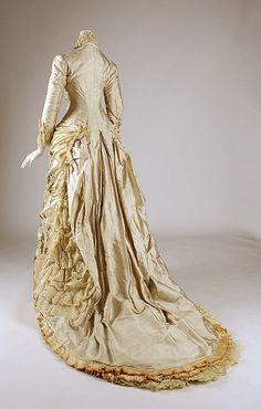 Dress 1882–83