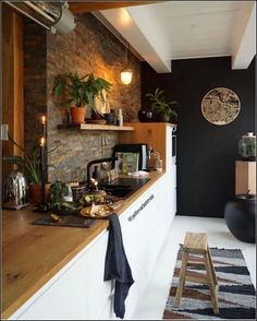 139 magnificient small kitchen design ideas on a budget -page 45 Small Space Interior Design, Interior Design Living Room, Home Decor Kitchen, Home Kitchens, Kitchen Remodel, House Design, Design Ideas, Summer Kitchen, Budget