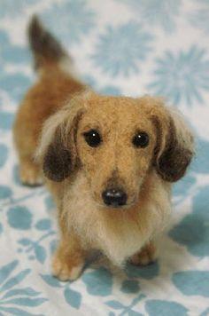 Is it a dachshund? A long hair? Or elderly? Very sweet. Needle Felted Animals, Felt Animals, Needle Felting Tutorials, Felt Dogs, Wet Felting, Felt Art, Soft Sculpture, Felt Ornaments, Felt Crafts