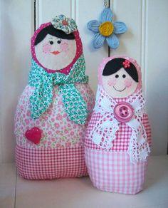 As famosas bonequinhas de pano que fazem tanto sucesso, trazem sorte a quem as receber. Fofinhas e graciosas, são gostosas de pegar R$ 25,00