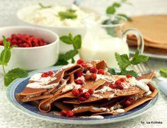Smaczna Pyza: Naleśniki kakaowe z twarożkiem i poziomkami Polish Food, Polish Recipes, Pierogi, Mille Crepe, Crepes, Dutch, Pancakes, Foods, Cooking