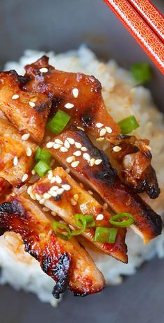 Korean Chicken - amazing and super yummy chicken with spicy Korean marinade. So easy to make, cheaper, and better than takeout Easy Delicious Recipes, Spicy Recipes, Asian Recipes, Chicken Recipes, Cooking Recipes, Yummy Food, Healthy Recipes, Healthy Food, Healthy Salads