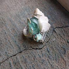 Мы сделали небольшую морскую коллекцию с кораллами, камнями из путешествий и бирюзой  Первым увидеть и примерить можно сегодня на Ламбада маркете на Трехгорной мануфактуре #mineralweather #mineralsea #jewelry #lambadamarket #silver #украшения #море #ламбадамаркет