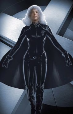 Comic-Con Badass Women in Sci-Fi History - Storm from Halle Berry Storm, Halle Berry Hot, X Men Film, Film X, Fierce Women, Badass Women, Strong Women, Marvel Comic Universe, Marvel X