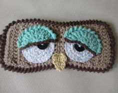 owl sleeping mask - Eye Makeup tips Crochet Eyes, Crochet Mask, Crochet Home, Crochet Gifts, Free Crochet, Knit Crochet, Sleep Mask, Crochet Accessories, Yarn Crafts