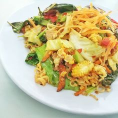 Indulge in the goodness AND convenience of Protein Noodles Pad Kee Mao (Drunken Noodles)--and don't forget the 25 grams of high-quality protein!) Not a drop of alcohol is in this dish, yet it's just as addictive! Who wants the recipe? Protein Noodles, Kee Mao, Drunken Noodles, Love Eat, Sun Dried, Gym Motivation, Fitspo, Cardio, Don't Forget