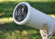 Double learning through building it and using it! Working refracting telescope from two magnifying glasses Science Classroom, Teaching Science, Science Education, Science For Kids, Stem Fair Projects, Earth Science Projects, Diy Projects, Types Of Telescopes, Diy Telescope