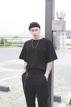 Aesthetic Fashion, Look Fashion, Aesthetic Clothes, Fashion Outfits, Korean Fashion Men, Korean Street Fashion, Mens Fashion, Korean Streetwear, Streetwear Fashion