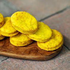 Laskominy od Maryny: Kurkumové sušenky Snack Recipes, Snacks, Chips, Cookies, Food, Turmeric, Tapas Food, Biscuits, Appetizer Recipes