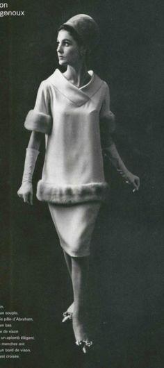 Pierre Cardin A/H Photo Philippe Pottier. Moda Vintage, Vintage Fur, Vintage Ideas, Pierre Cardin, Vintage Dresses, Vintage Outfits, Vintage Clothing, French Fashion Designers, Vintage Fashion Photography