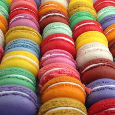 This article rates macarons in New York City. My favorite place to go for perfect macarons is: La Maison du Macaron. Happy Colors, Bold Colors, True Colors, All The Colors, Jeff Koons, Taste The Rainbow, Over The Rainbow, World Of Color, Color Of Life