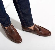 Take your style journey to the next level! #sagiakosgr #newshoes #mocassins #handmade #italian #leather #meninstyle