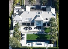 You'd expect X Factor supremo Simon Cowell to have a pretty swanky pad, and his main residence in Beverly Hills doesn't disappoint.He first bought the property back in 2004, but it wasn't until 2006 that it was demolished and work began building his dream home.It now has a gym, pool, extensive outdoor entertainment areas and a high-tech media room. X17  ADVERTISEMENT