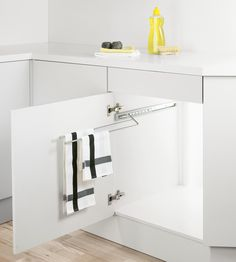 EXTENDING TOWEL RAIL - Designer Towel rails from peka-system ✓ all information ✓ high-resolution images ✓ CADs ✓ catalogues ✓ contact. Kitchen Island Towel Bar, Kitchen Towel Rail, Kitchen Rails, Kitchen Towels, Kitchen Base Units, Small Bathroom Shelves, Laundry Cabinets, Copper Kitchen, Furniture Design