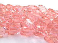 Cristal rosado, grande, medidas 3 cm x  2.4 cm tira con 1 2 piezas, $45, Precio especial a mayoristas.