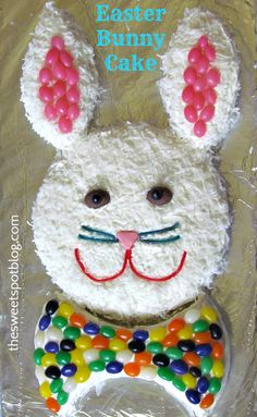Vintage Easter Bunny Cake from the Wish my mom was coming to my Easter party! Easter Bunny Cake, Hoppy Easter, Easter Treats, Easter Eggs, Easter Food, Bunny Cakes, Cakes For Easter, Easter Dinner, Easter Party