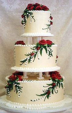from Takes the Cake - this gorgeous red rose wedding cake! from Takes the Cake - this gorgeous red r Wedding Cake Fresh Flowers, Red Rose Wedding, Beautiful Wedding Cakes, Gorgeous Cakes, Pretty Cakes, Amazing Cakes, Rose Wedding Cakes, Gold Wedding, Bolos Cake Boss