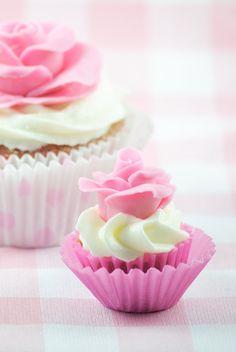 Cupcakes Pink velvet ¡y rosas de foundant!