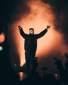 Drake Artist, Drake Wallpapers, Iphone Wallpapers, Drake Rapper, Drake Concert, Girl Power Songs, Drake Scorpion, Best Rap Songs, Fotografia