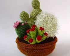 Free Crochet Pattern: Tiny Cacti | Gleeful Things