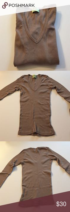 """Juicy Couture Long Sleeve Taupe Ribbed Tee Excellent condition. Some minor overall pilling. 100% cotton. Super soft, stretchy ribbed material. Deep V neck. 12"""" from armpit to armpit. 21.5"""" long. Not from a smoke-free house. Juicy Couture Tops Tees - Long Sleeve"""