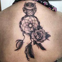 Tatuagem feita por Ray Apolaya #tattoo #tatuagem #line #tatuagemdelicada #tatuagemfeminina #feminina #linhafina #fineline #ornamental #ornamentais #love #delicadas #femininas #realismo #roses #colorido #color #flores #dotwork #mandala #coruja #corujas #owl #owls