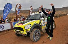 Doblete español histórico en el Rally Dakar | QuintaMarcha.com Como informamos el viernes, Nani Roma (Mini) fue finalmente el ganador del Dakar en Coches por las órdenes de equipo. Con este triunfo, más el cuarto entorchado de Marc Coma (KTM) en Motos, se logró un doblete español histórico en el raid más importante del mundo.