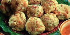 Tiroli gombócok   Vidék Íze Hungarian Recipes, Hungarian Food, Meat Recipes, Potato Salad, Cauliflower, Potatoes, Meals, Vegetables, Cooking