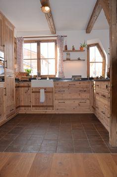 White Kitchen Cupboards, Kitchen Ornaments, Home Grown Vegetables, Tiny Apartments, Roof Light, Bedroom Loft, Küchen Design, New Kitchen, Storage Spaces